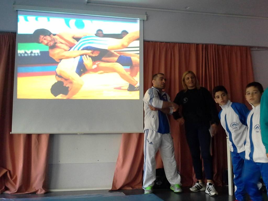 Αθλητικός Προσανατολισμός στο 14ο δημοτικό Χαϊδαρίου - Βούλα Ζυγούρη 1